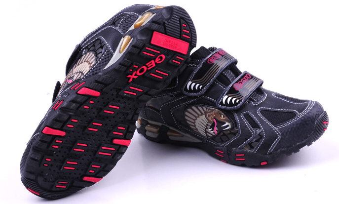 GEOX Breathable Runner with Light