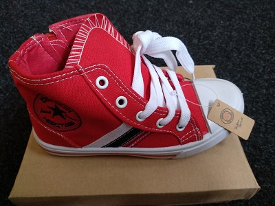 Red carvas shoes