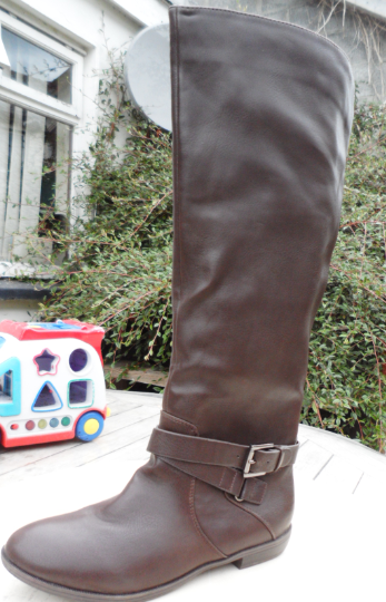 brown/black leather boots